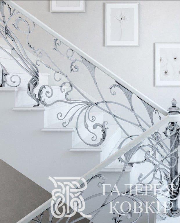 Кованые ограждения для лестницы белоснежные завитки
