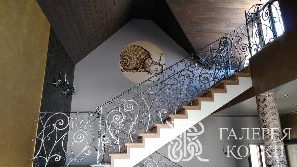 красивые кованые ограждения лестницы фото