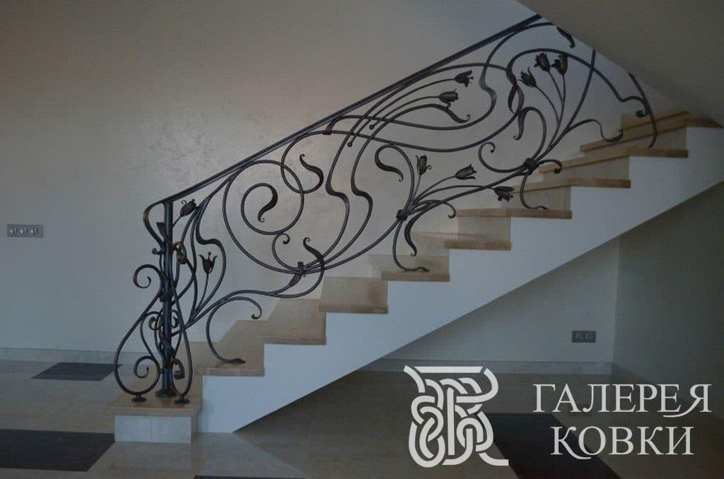 кованые перила для лестницы ирисы фото