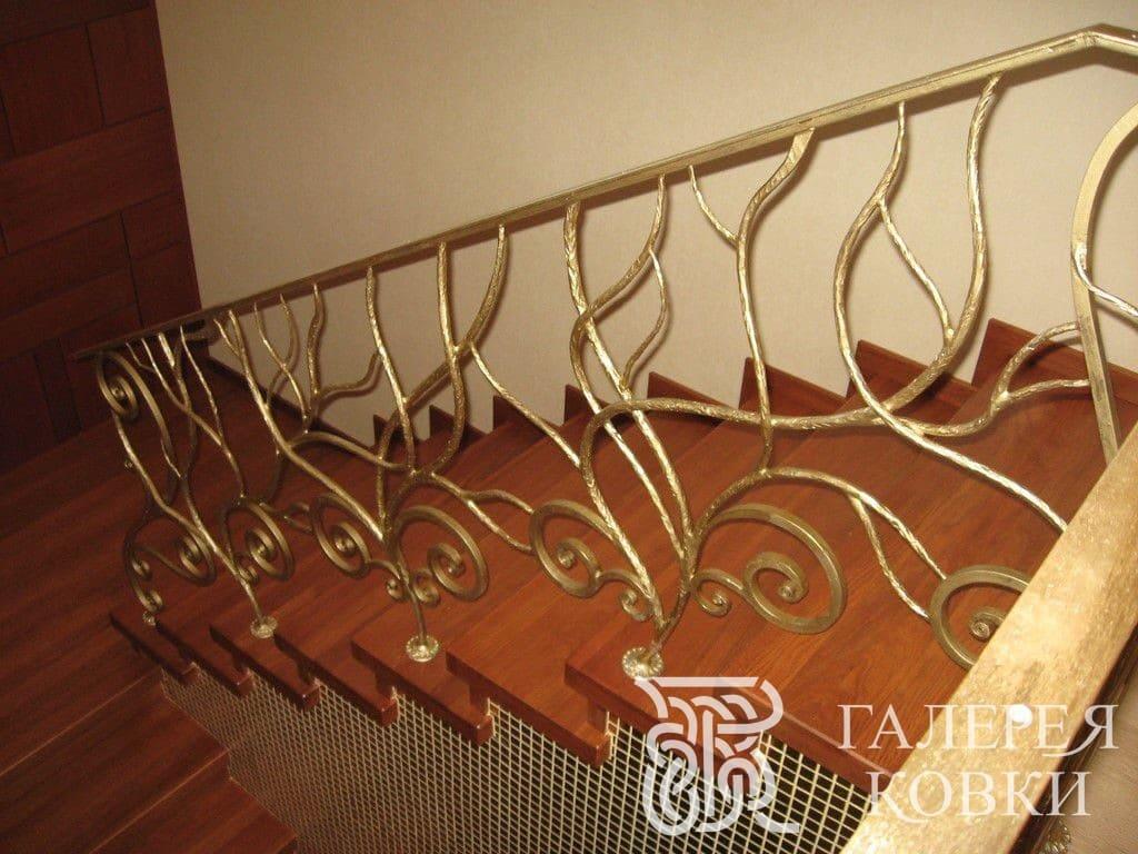 простые кованые перила для лестницы внутри дома