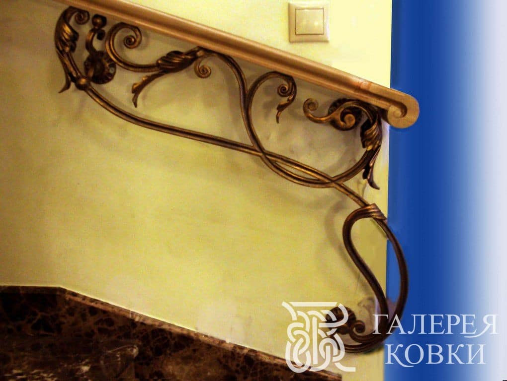 кованые элемент декора на стену