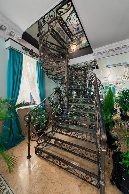 поворотная кованая лестница